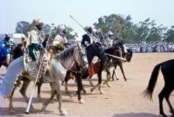 Défilé de chevaux Bhirum